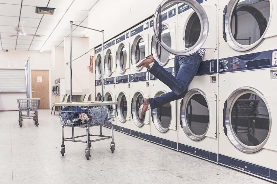 Waschmaschine der Zukunft auf Nachhaltigkeit geschult