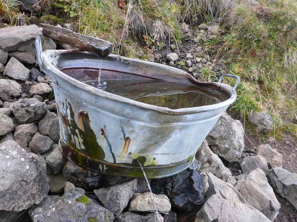 Nachhaltige Wassernutzung durch selbst installierte Regenwasserzisterne