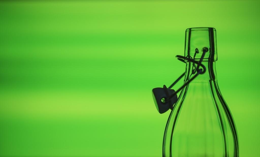 Trinkflaschen aus Edelstahl und Glas: besser nachhaltig